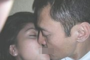 6mayang 10 Skandal Ciuman Panas Artis Indonesia