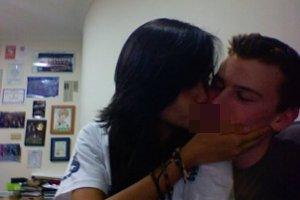 8cintalaura 10 Skandal Ciuman Panas Artis Indonesia