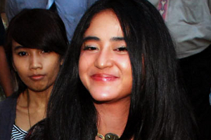 Foto Bugil Dewi Persik