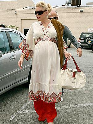 saat hamil membuat perempuan menjadi tidak PD. Padahal, banyak cara ...