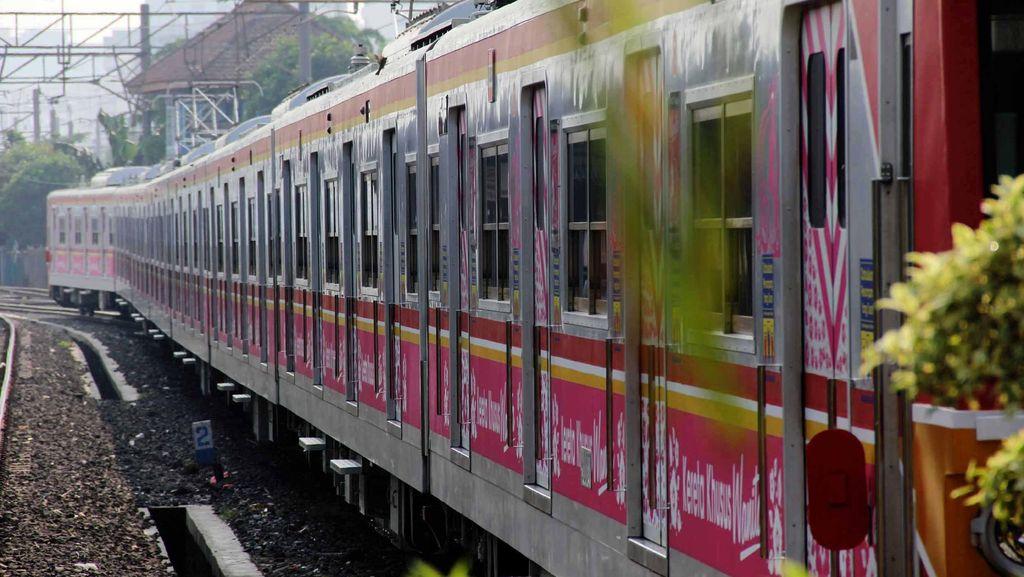Trend Pengguna Commuter Line Meningkat, Masyarakat Sudah Bosan dengan Macet?
