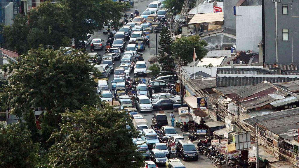 Jakarta Macet Lagi, Mulai Padat dari Tol Cikampek arah Cawang