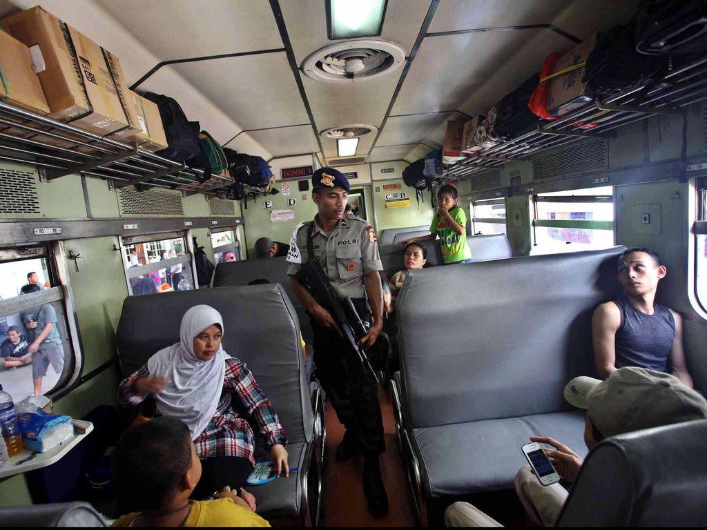 Tiket Kereta Api Lebaran 13-17 Juli dari Bandung ke Surabaya Ludes