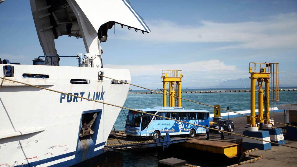 Cuaca Buruk, ASDP Hentikan Operasi Kapal di Kupang