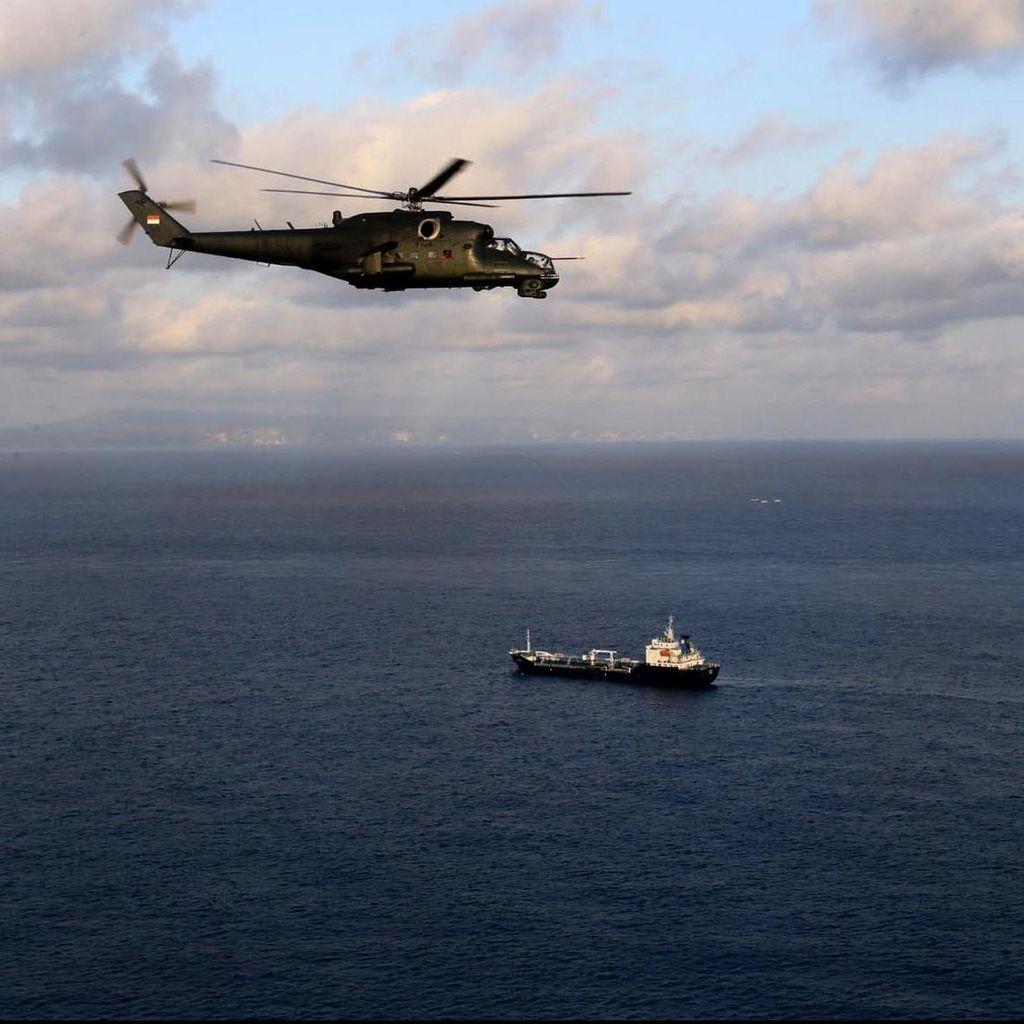 Helikopter Militer Laos Jatuh, 23 Orang Belum Ditemukan