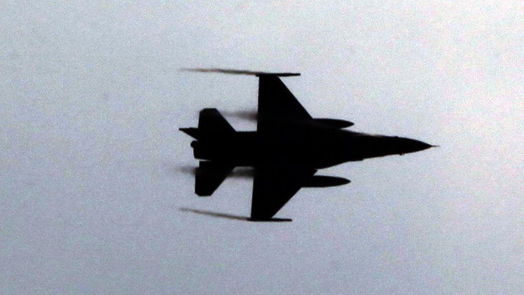Pemberontak Suriah Klaim Tembak Mati 1 Pilot Pesawat Tempur Rusia