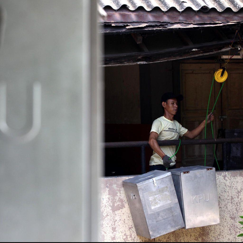 PDIP Akan PTUN-kan KPU Jika Tunda Pilkada Surabaya 2015
