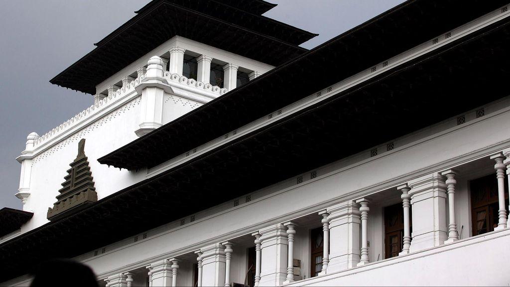Sengketa Lahan Kantor Disnak, Gubernur Aher Minta KPK untuk Turun Tangan