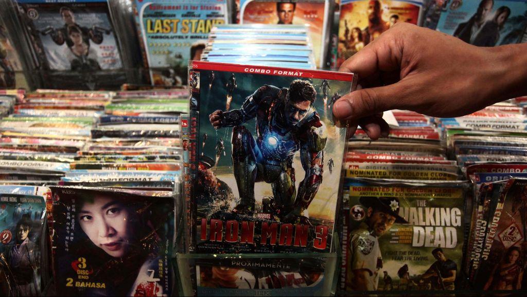 Pemilik Pabrik Pengganda DVD Film Porno di Jaktim Dibui 10 Bulan