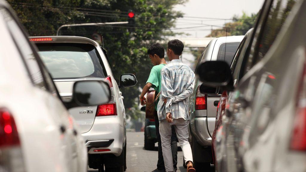 Polisi Patroli di Pesanggrahan, Tangkap Pengamen Bersenjata Tajam