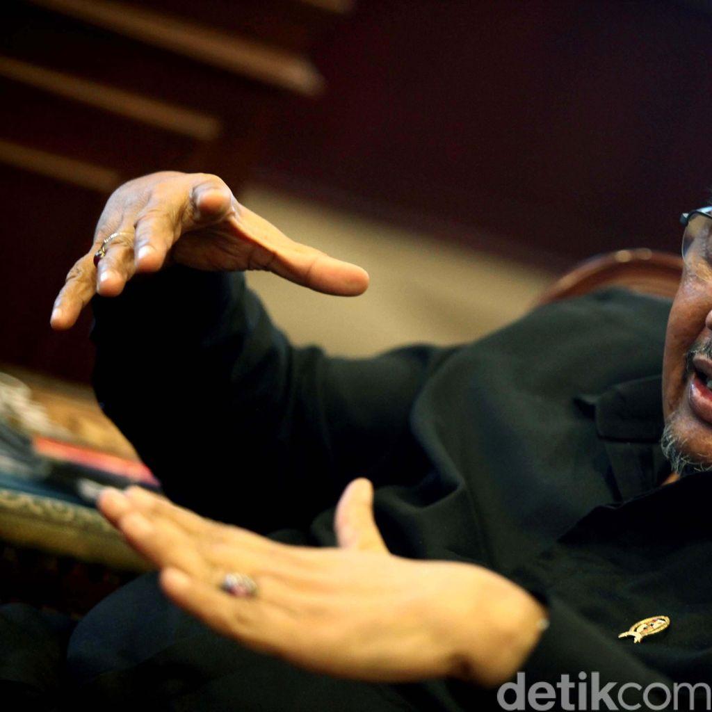 Azwar Abubakar: Banyak Tenaga Honorer Diangkat karena Faktor Kedekatan
