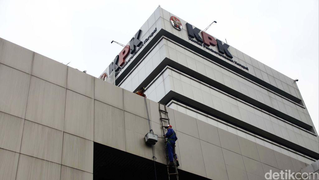 Imbauan KPK Bagi PNS dan Pejabat: Mulai dari Parsel Sampai Angpau