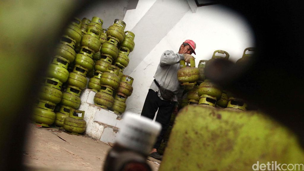 Gas 3 Kg Meledak di Petukangan, Seorang Pegawai Minimarket Luka Bakar