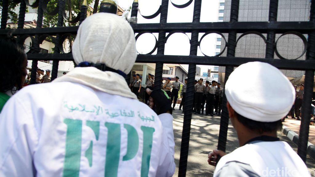 Polisi: Massa FPI yang Sweeping Bar Tak Ditahan, Tapi Diberi Pengarahan