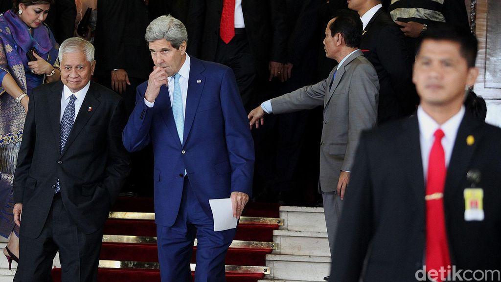 Kunjungi Paris Pasca Tragedi Berdarah, Menlu Kerry Buktikan AS Sahabat Prancis