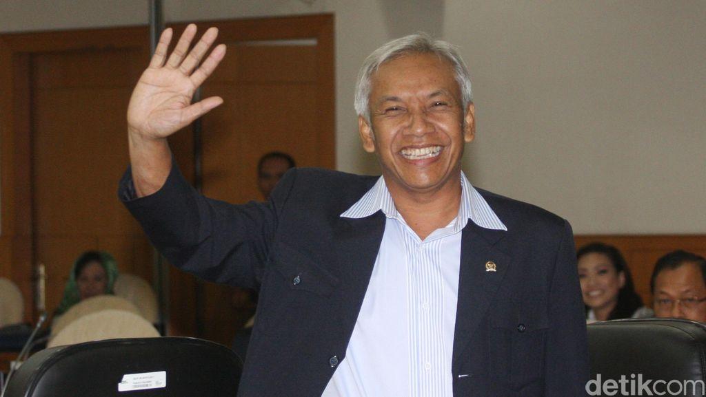 Bantah JK, Pimpinan DPR: Tak Mungkin Anggota Dewan Utus Staf Kunker
