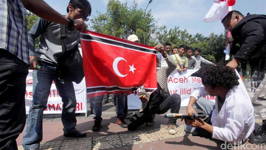 Fasilitator Perdamaian Minta Bendera Aceh Diubah karena Mirip Bendera GAM