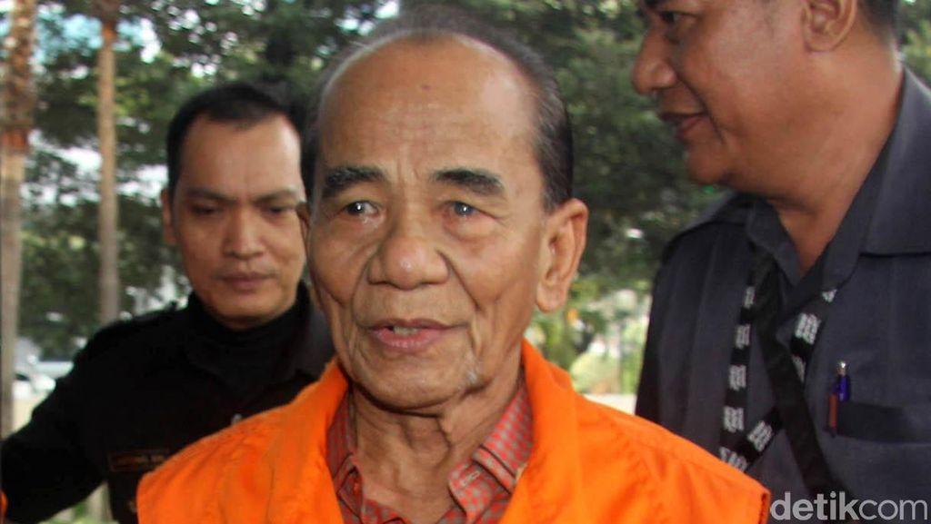 MA Perberat Vonis Gubernur Riau, Jalani Hidup di Bui hingga Usia 82 Tahun