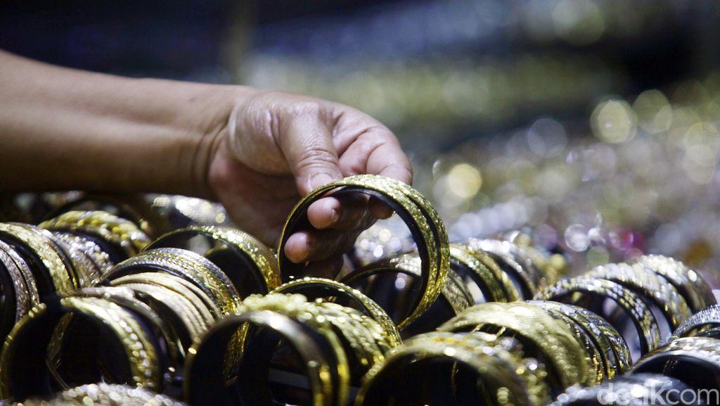 Penjualan Perhiasan Emas di Pasuruan Menurun