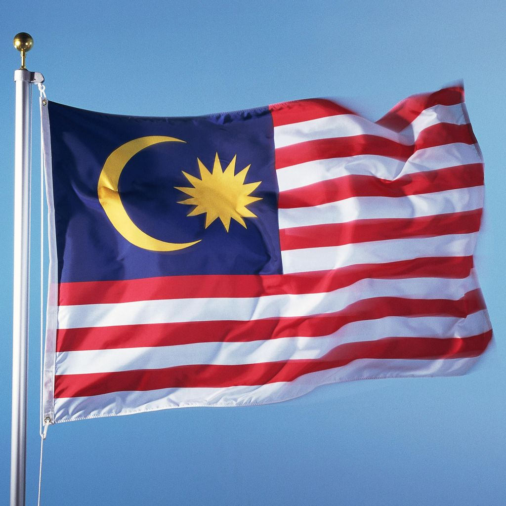 Kapal Angkut 100 Imigran Gelap Terbalik di Malaysia