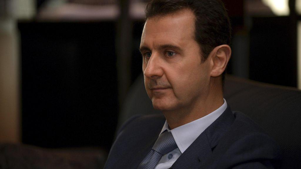 PM Inggris Sebut Assad Bisa Tetap Pimpin Suriah Saat Transisi
