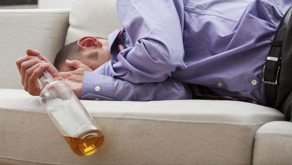 Tegur 7 Pemuda yang Mabuk-mabukan, Pria di Bekasi Dibacok Celurit