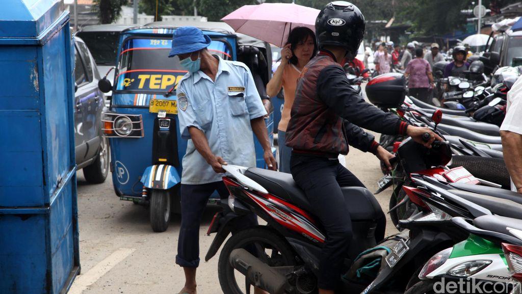 Dishub DKI Akan Tertibkan Parkiran di Tebet Utara yang Bikin Macet