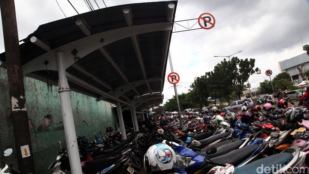 Definisi Parkir dan Berhenti Ramai Dibahas di Medsos, Ini Penjelasan Polisi