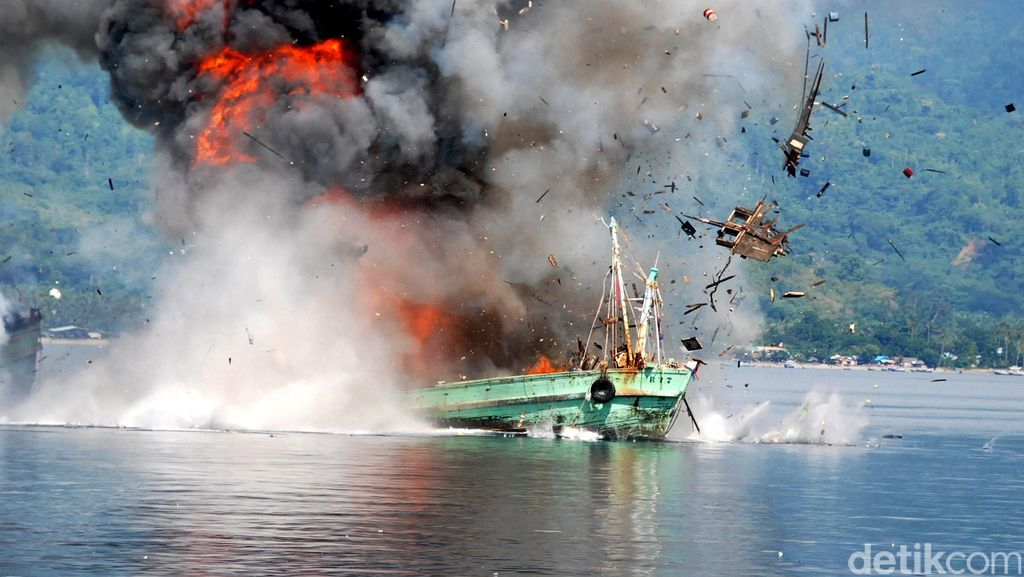 Menteri Susi Ingin Ledakkan 70 Kapal Ilegal, Pelaksanaan Tanggal 18 Agustus