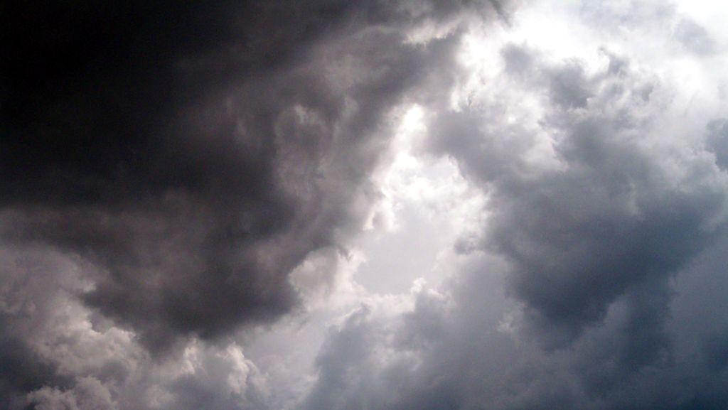 Dilanda Tornado, Rumah-rumah di Chicago Rusak, Beberapa Luka-luka
