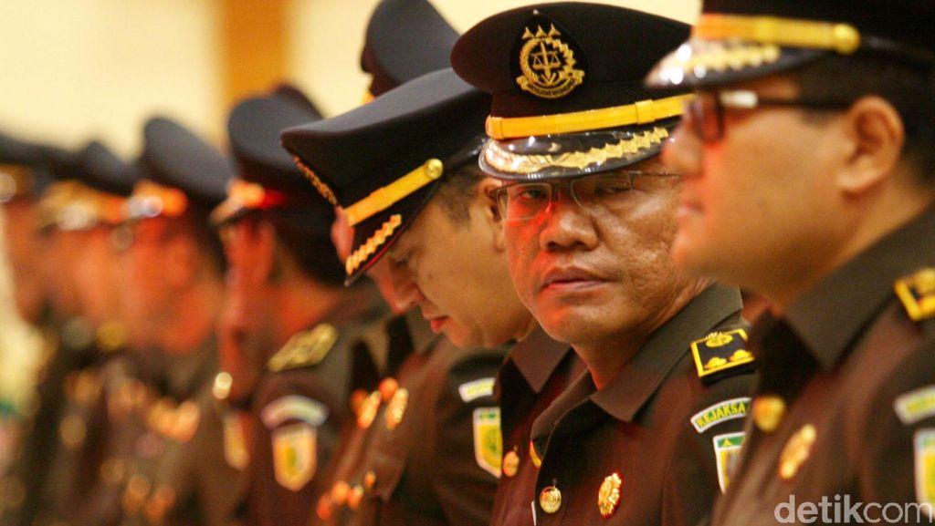 Jokowi Minta Kejagung Bersih dari Mafia Kasus