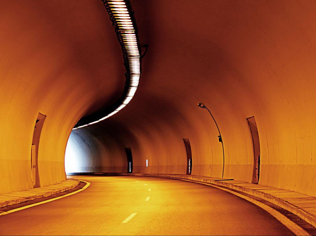 Hendak Masuk Inggris, Imigran Ditemukan Tewas di Channel Tunnel