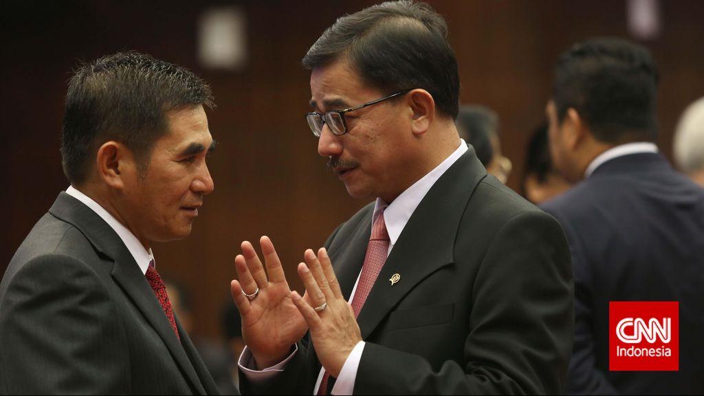 Mantan Ketua MK Jadi Dewan Pakar Advokat Peradi Kubu Juniver Girsang