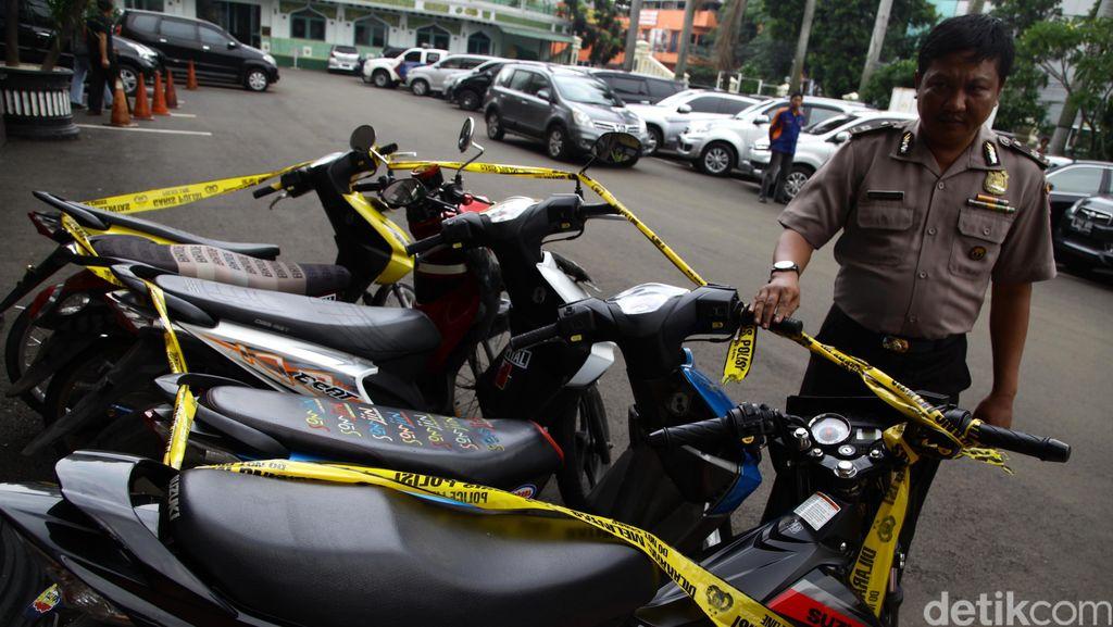 Curi Motor di Rumah Kosong di Kramat Jati, Ade Ditangkap Polisi
