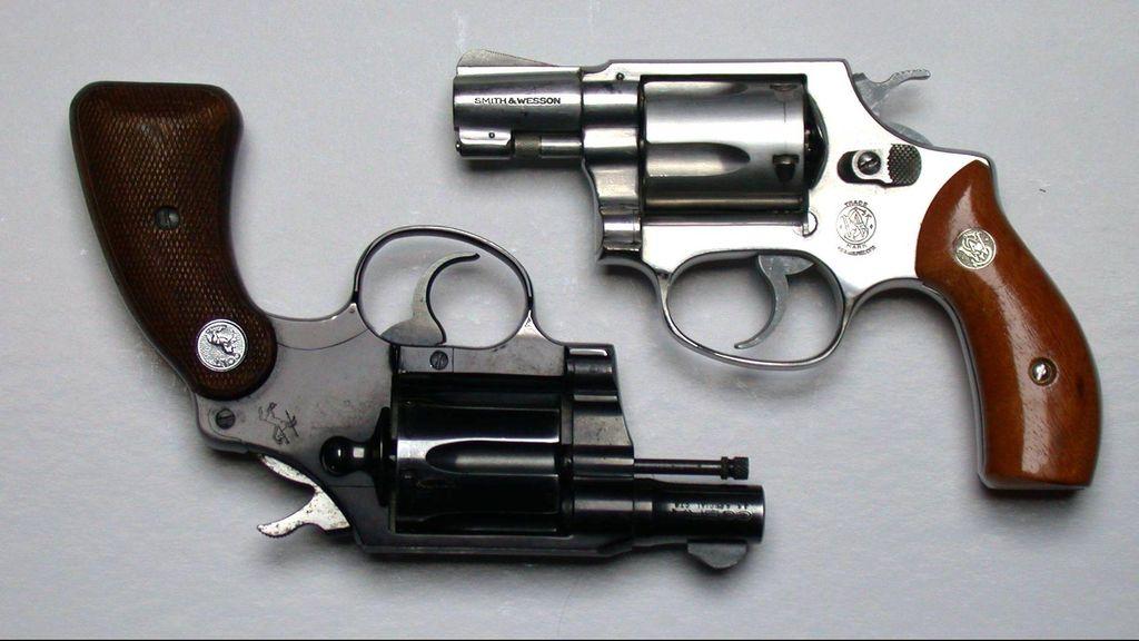 Suka Pamer Senpi Revolver, Polisi Gadungan Ditangkap