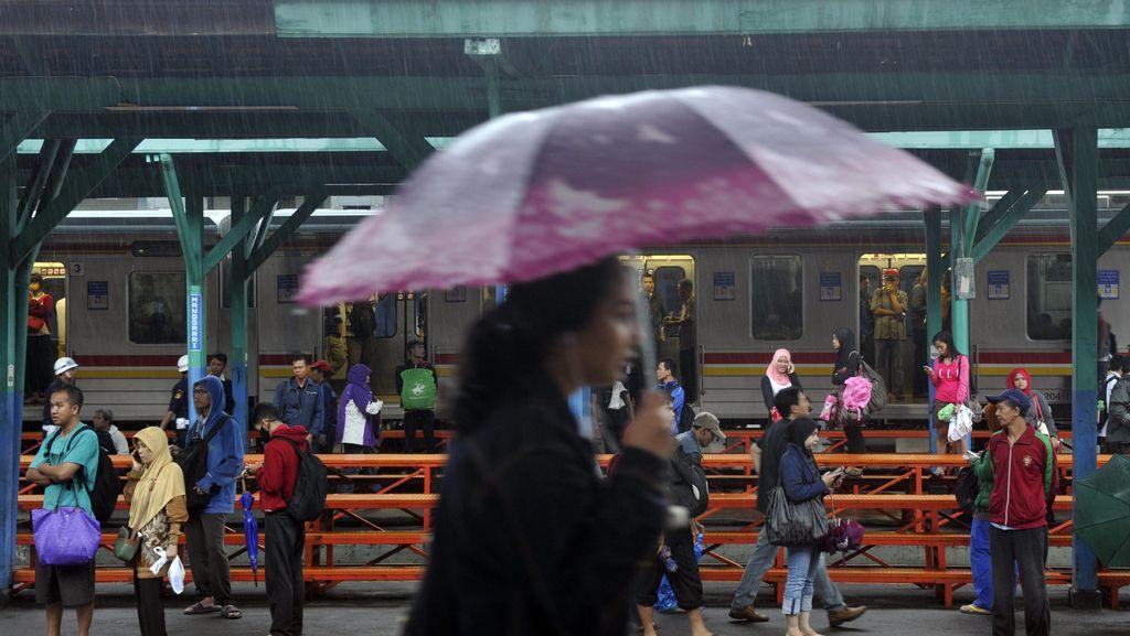 Akhirnya! Jakarta Diguyur Hujan