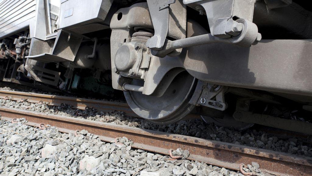 Kereta Tabrak Mobil di Pinggiran Prancis, 3 Orang Tewas