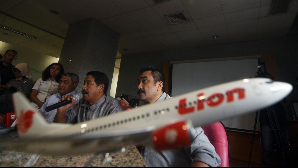 Penumpang Lion Terkurung 2 jam di Dalam Pesawat Sebelum Dialihkan