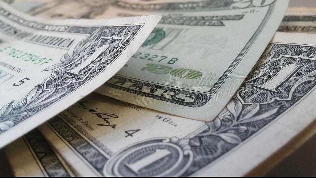 Polisi Sita Puluhan Ribu Dolar di Ruangan Staf Dirjen Daglu Kemendag