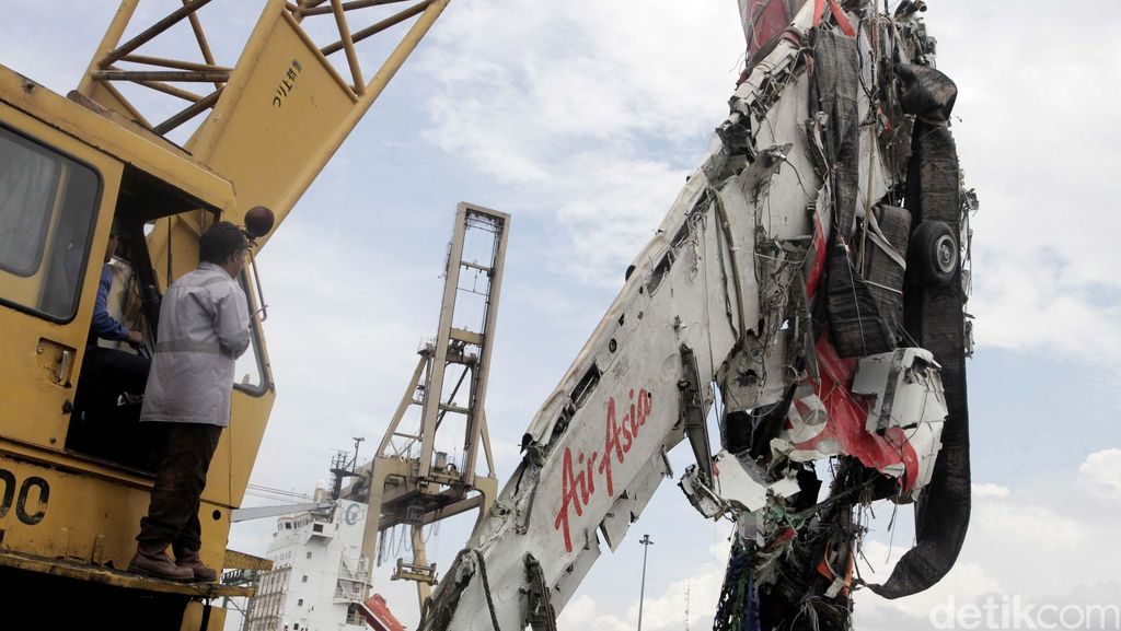 Pilot QZ8501 Improvisasi, KNKT Minta Pilot Dilatih Menangani Situasi Kritis
