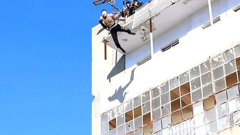 ISIS Tembak Mati 9 Pria dan 1 Bocah di Suriah yang Dituduh Gay