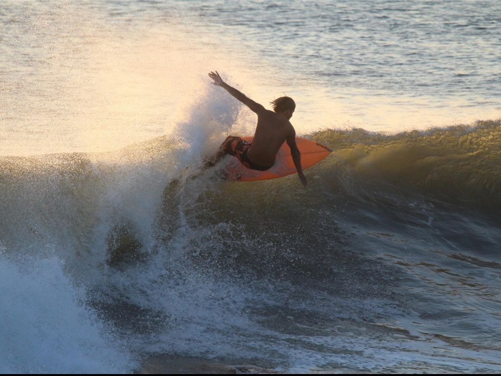 Pemerintah Komitmen Bantu Kembangkan Wisata Surfing di Sungai Kampar