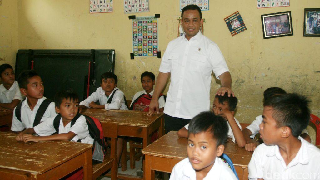 Menteri Anies Akan Tindak Tegas Sekolah yang Tidak Laksanakan PBP