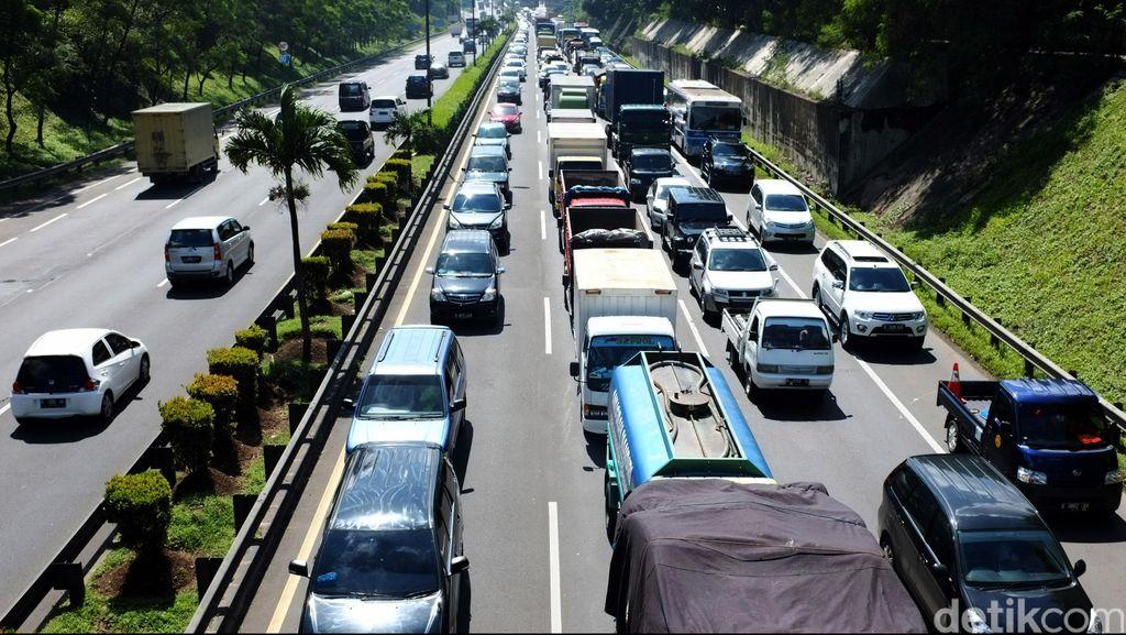Polisi Buru Pengendara Picanto Merah yang Tembak Mobil Keluarga di JORR