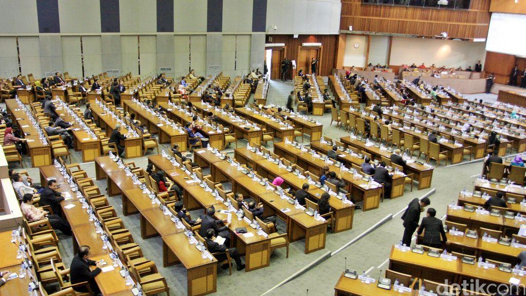 Guru Besar UI: Anggota DPR Tak Perlu Paspor Hitam