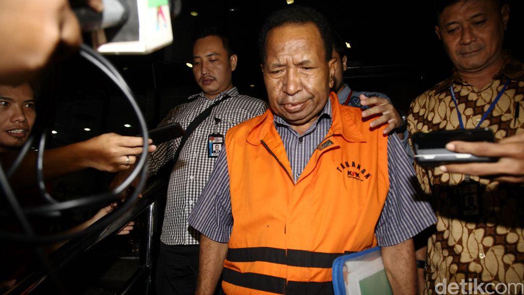 Jaksa KPK Tuntut Eks Kadis Papua 7 Tahun Bui dan Uang Pengganti Rp 4,9 M