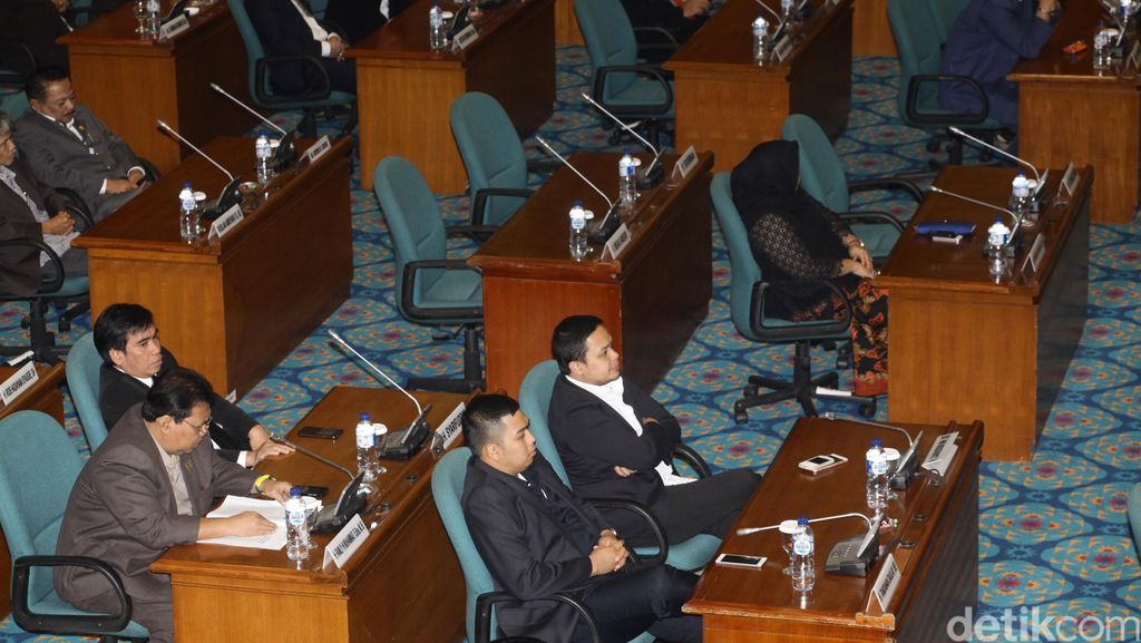 Rakor dengan DPRD, KPUD DKI Jelaskan Alasan Pengembalian 34 Pegawai DKI