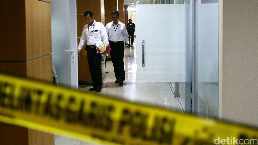 Bareskrim Periksa Tersangka Kasus UPS Fahmi Zulfikar dan Firmansyah