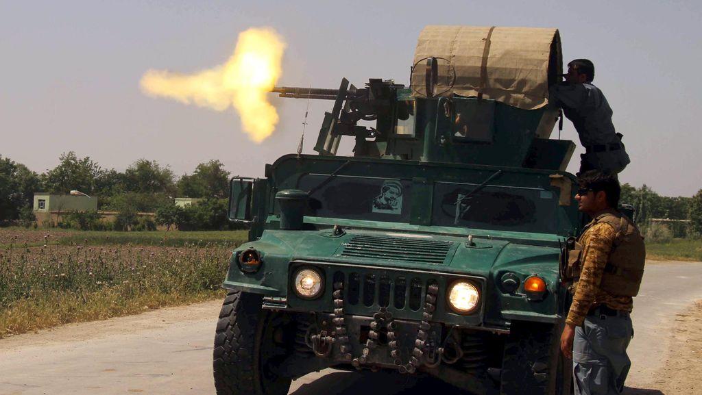 Taliban Serang Parlemen Afghanistan, Politikus Berlarian