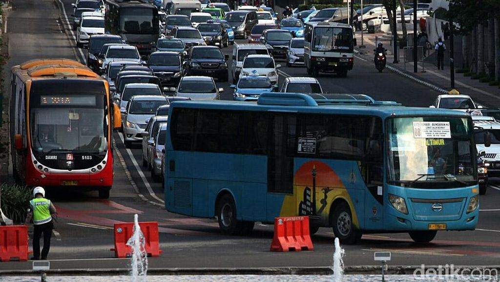 Ahok Ingin Remajakan Kopaja-Kopami Jadi Bus Single TransJ